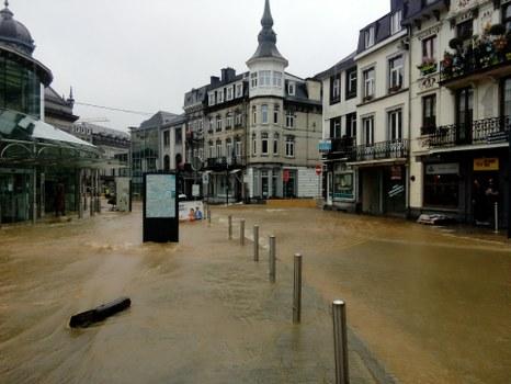 Consultation des citoyens touchés par les inondations